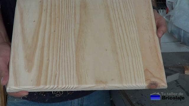 madera para hacer el mueble auxiliar del baño con los cantos rebajados