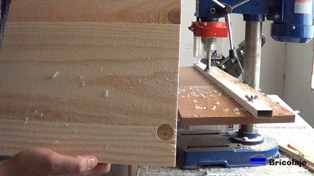 agujeros para las bisagras de cazoleta de las puertas