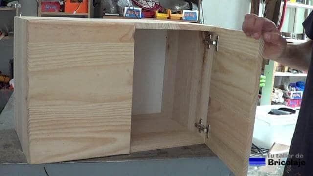 parte del mueble auxiliar para el baño