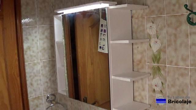 C mo hacer un mueble con espejo para el ba o 2 2 for Mueble con espejo para bano