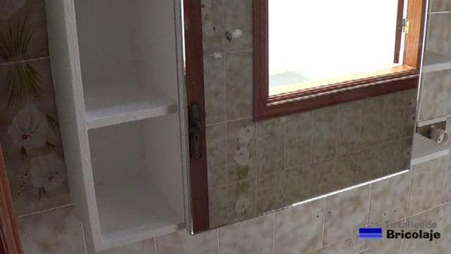 C mo hacer un mueble con espejo para el ba o 2 2 for Como barnizar un mueble ya barnizado