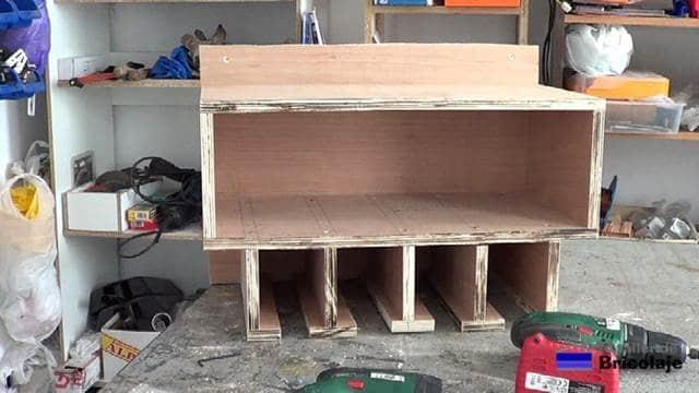 mueble organizador de taladros y sus accesorios