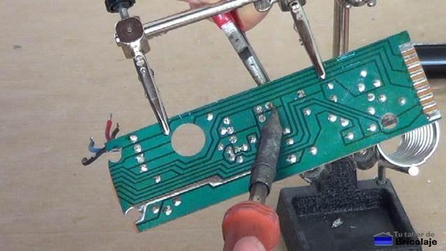 desoldando componentes electrónicos