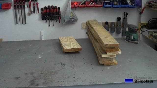 madera de palet para hacer el organizador de pared