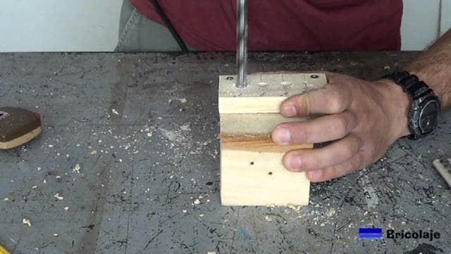 perforando las marcas para colocar los casquillos