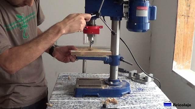 obteniendo las medidas para las bisagras de cazoleta