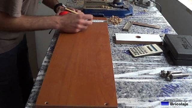marcando las medidas obtenidas para colocar el tope de aluminio
