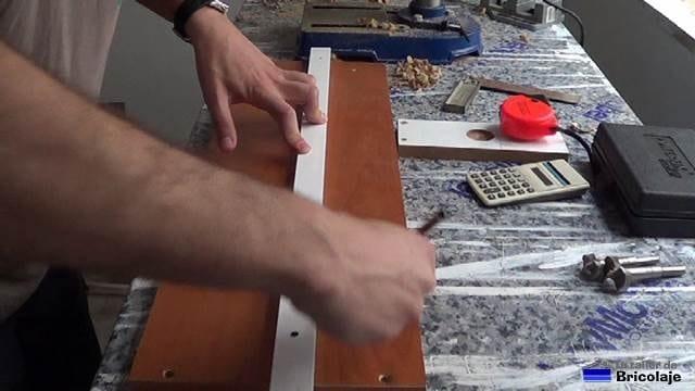 trazando las medidas para colocar el tope de aluminio