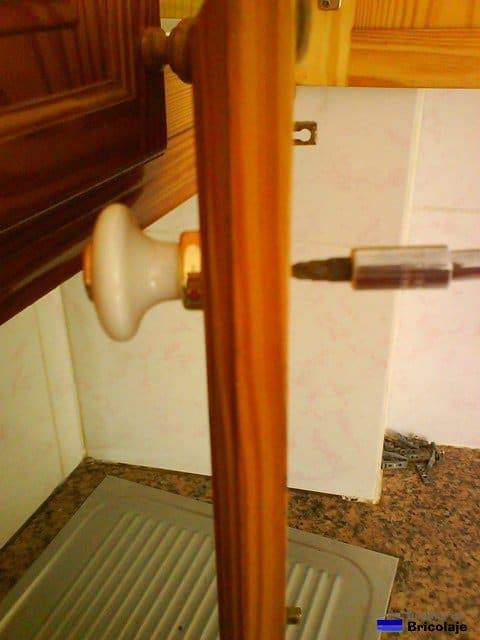 Sustituir los pomos o tiradores - Cambiar pomo puerta ...