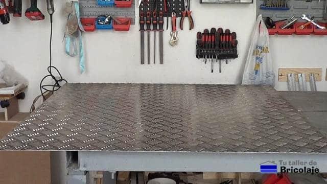 chapa de aluminio antideslizante para el porta cervezas