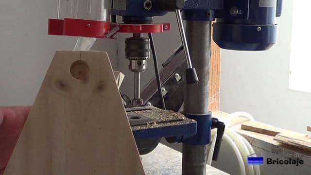 perforando el agujero en el lateral