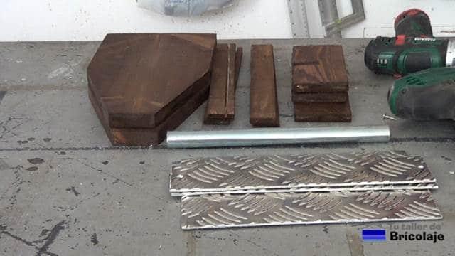 partes que forman el porta cervezas de madera y palets casero