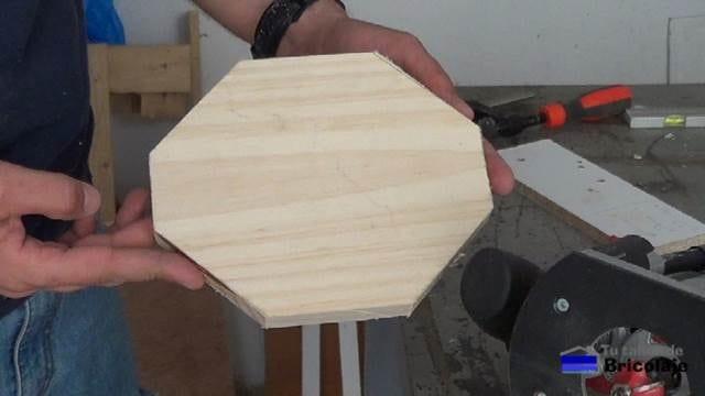 base de madera para el portarollos