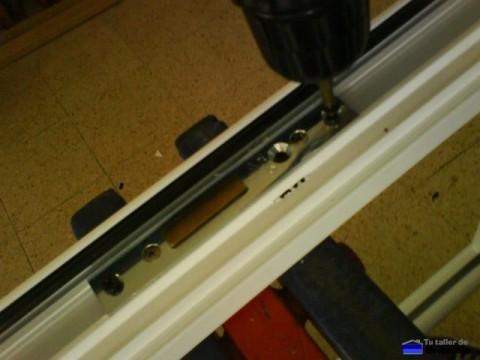 colocación de la cerradura de la puerta de aluminio