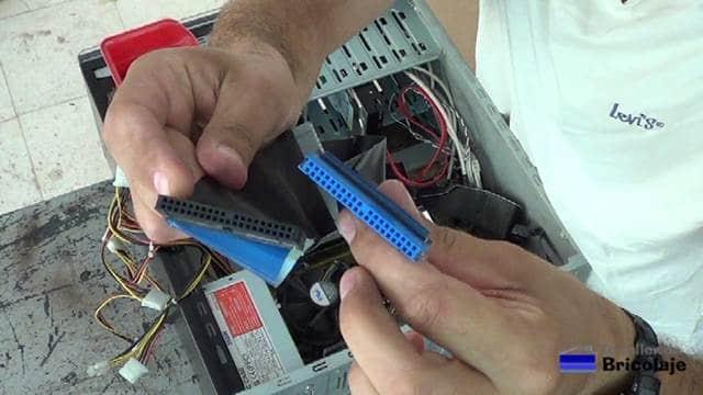 cables ide de conexión a los dispositivos ópticos