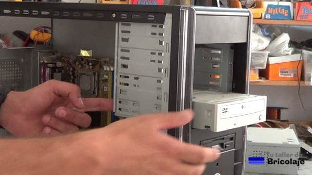 extrayendo las unidades ópticas
