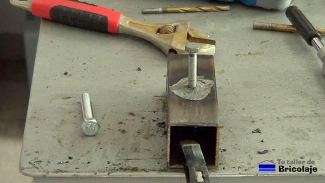C mo rellenar o tapar agujeros en hierro - Como soldar hierro ...