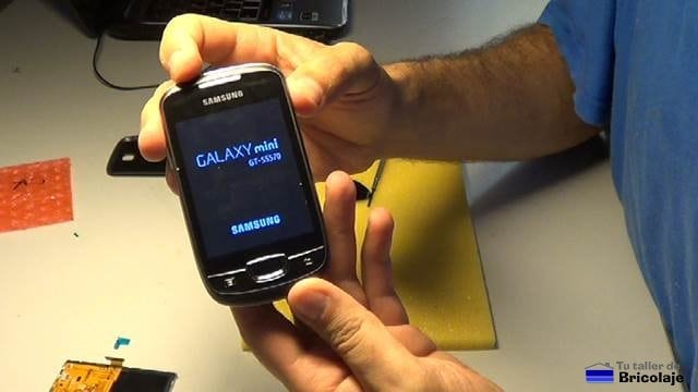 cómo cambiar una pantalla a un samsung galaxy mini