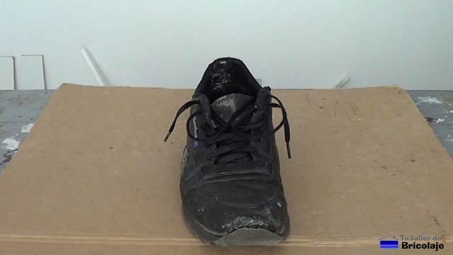 Cómo La Puntera Zapatillas De Unas Reparar Deportivas mN80wnOv