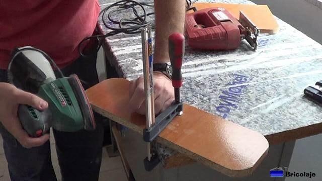 lijando con grano fino las partes que hemos cortado