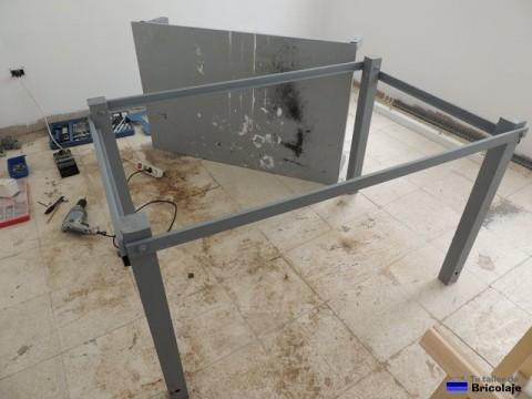 estructura inferior de la mesa de trabajo