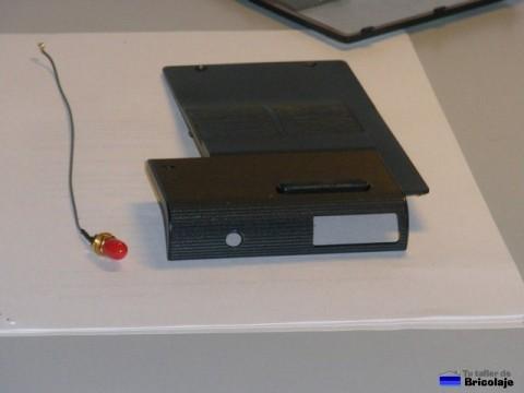 carcasa taladrada y conector para antena externa wifi