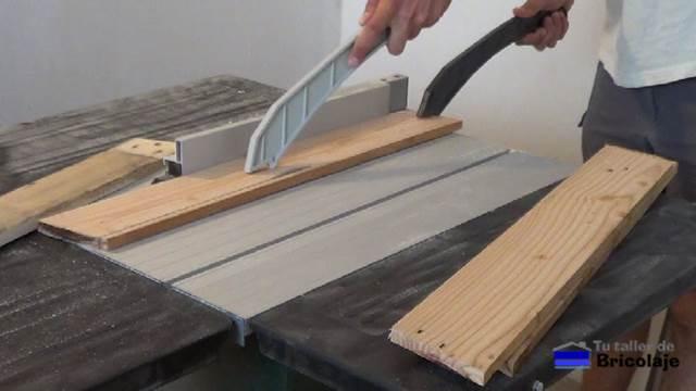 C mo hacer sillas de terraza con madera de palet for Sillas hechas de palets