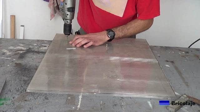 perforando el policarbonato