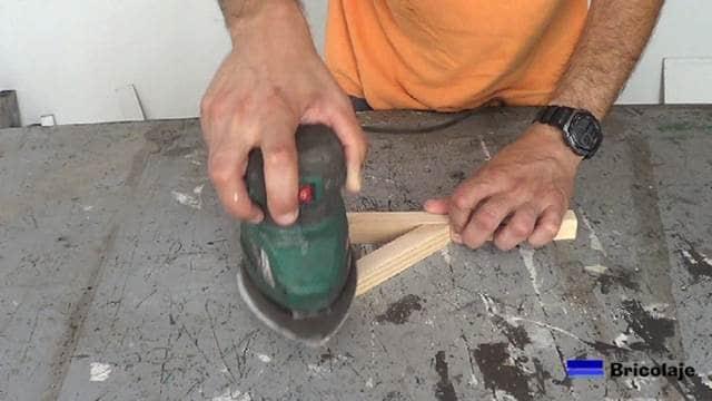 lijando el soprte de madera