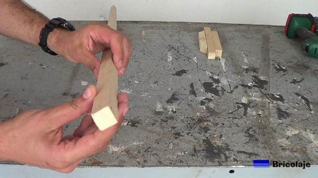 listón de madera de 20x20 mm