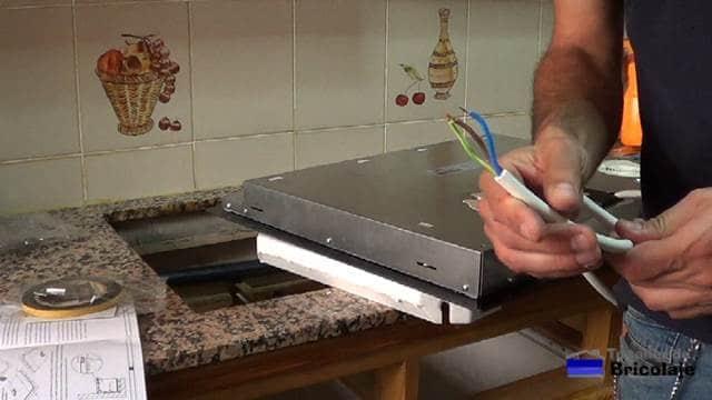 cable de alimentación de la nueva placa eléctrica de cocina