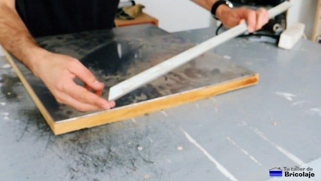 angulo de aluminio para sujetar y proteger la chapa