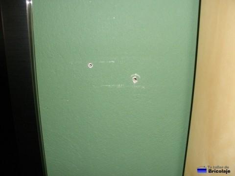agujeros en la pared a tapar
