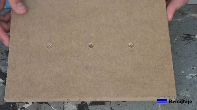 agujeros en madera para tapar