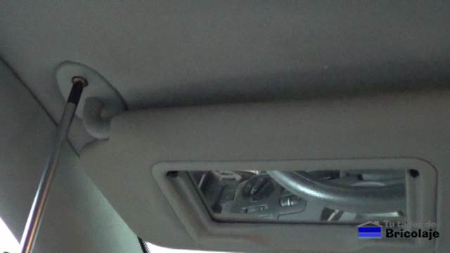 C mo sustituir el tapizado del techo de un coche for Maletero techo coche