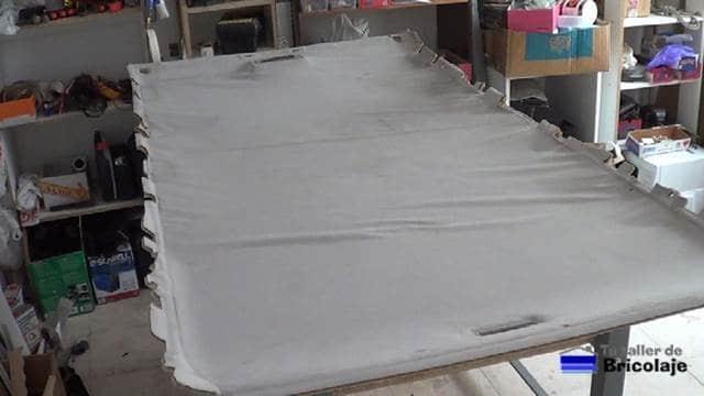 techo del coche con el tapizado despegado