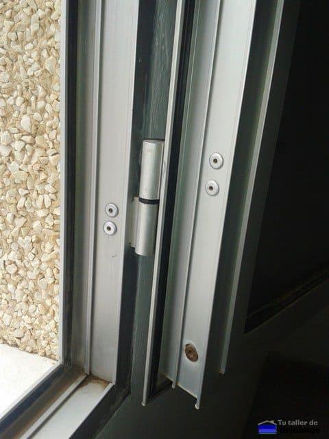 Reparaci n de ventanas de aluminio desniveladas for Gomas estanqueidad puertas