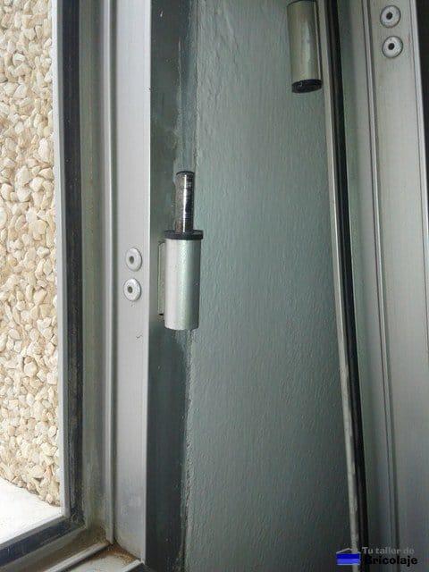 puerta de aluminio no cierra bien imagen titulada fix a