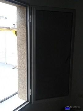 ventana de aluminio que roza en el marco