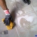 Cómo echar la lechada al suelo