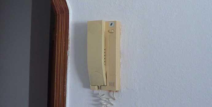 Cómo sustituir un telefonillo de un portero automático