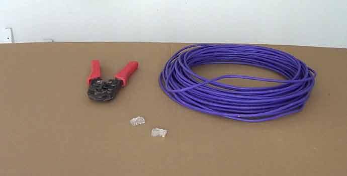 materiales y herramientas necesarios para hacer un cable de red cruzado