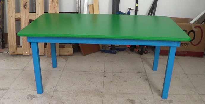 C mo hacer una mesa de madera para ni os con tornillos - Como construir una mesa ...