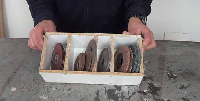 como hacer un organizador para los discos de la amoladora