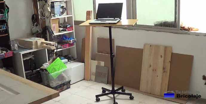 cómo convertir una silla con ruedas en una mesa. 2/2
