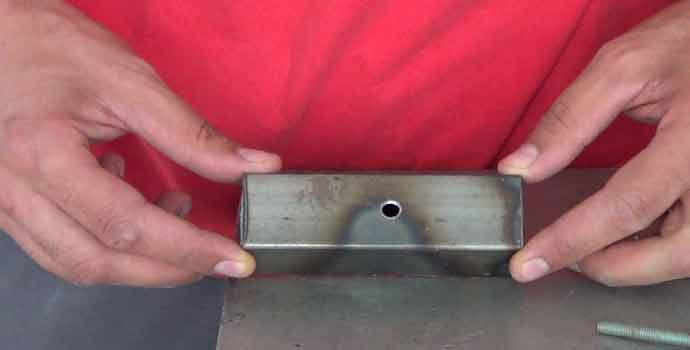 Cómo rellenar o tapar agujeros en hierro