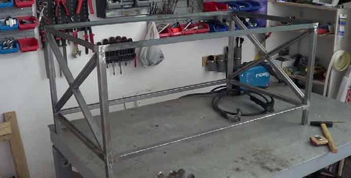 Cómo hacer una mesa centro de hierro y palets. 1/2