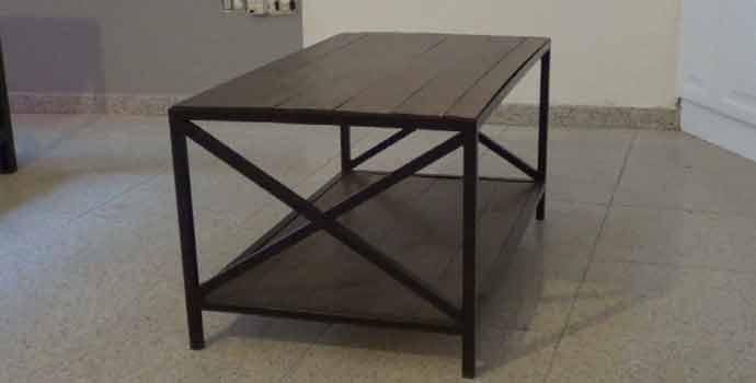 Cómo hacer una mesa centro de hierro y palets. 2/2
