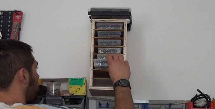 Cómo hacer un mueble organizador para cajitas para el taller