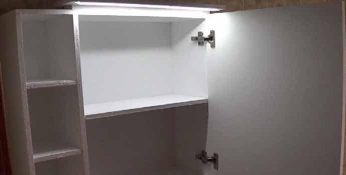 Cómo hacer un mueble con espejo para el baño. 2/2